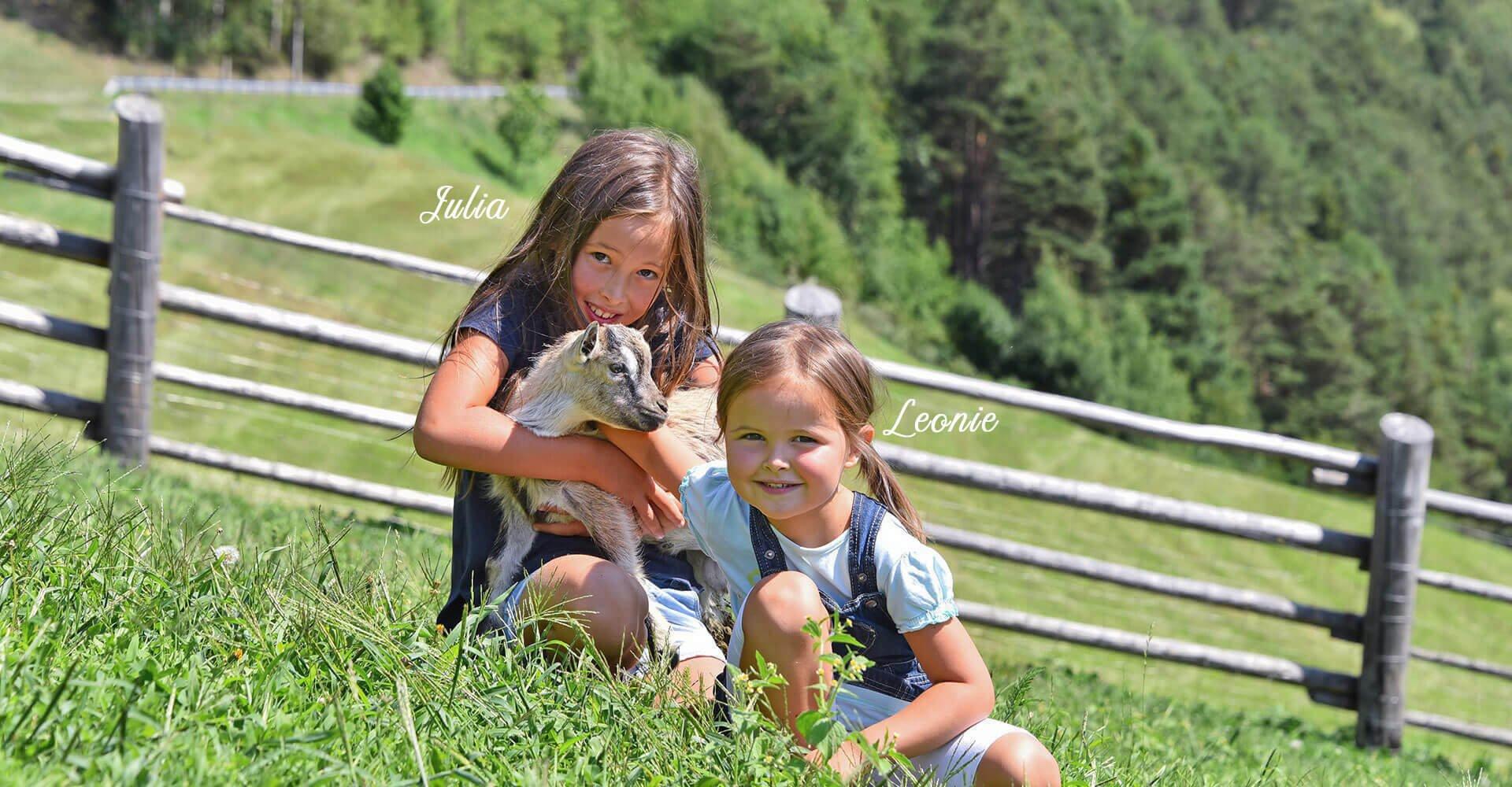 Ihre Gastgeber am Sieberlechnerhof | Julia und Leonie